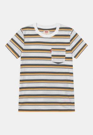 POCKET - T-shirts print - white