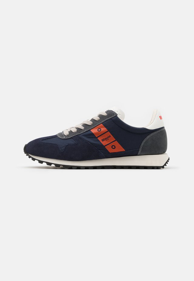 DAWSON - Sneakers laag - navy/orange