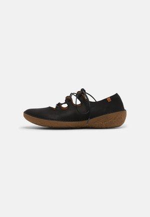 BORAGO - Sznurowane obuwie sportowe - black