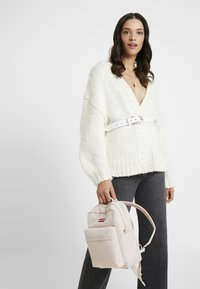Levi's® - Reppu - light pink - 1