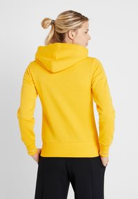 Champion - HOODED  - Hættetrøjer - yellow - 2