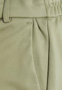 ONLY Tall - ONLPOPTRASH EASY SKIRT - Mini skirt - oil green - 2