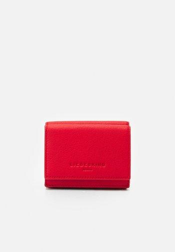 BASIC - Wallet - chilli