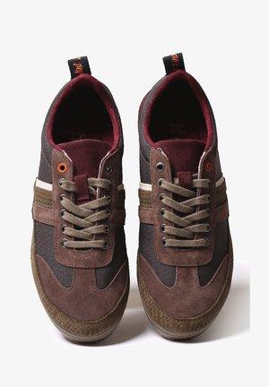GASP-TC - Sneakers laag - marro