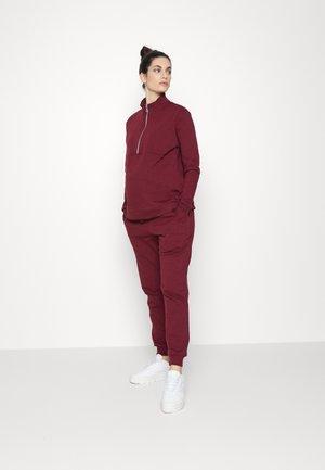 ZIP FRONT TRACK SET - Sweatshirt - rich berry