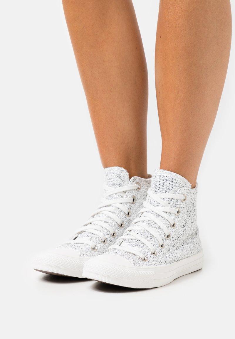 Converse - CHUCK TAYLOR ALL STAR - Høye joggesko - vintage white/silver/vaporous gray