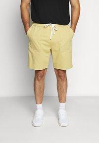 Jack´s Sportswear - DRAWSTRING - Shorts - sand - 0