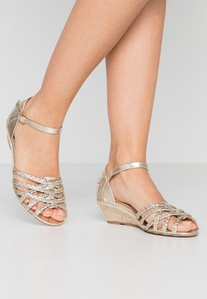 KATANA - Wedge sandals - gold