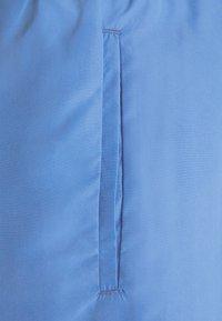 Lacoste - Swimming shorts - king/turquin blue ledge - 5