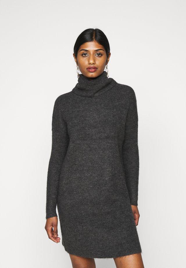 ONLJANA COWLNK DRESS - Strikket kjole - dark grey melange
