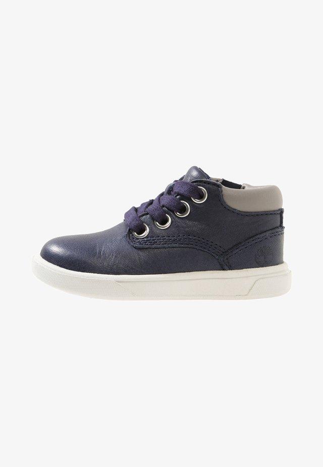 GROVETON CHUKKA - Sneakersy wysokie - dark blue