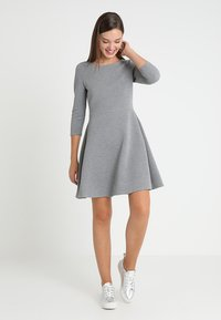TOM TAILOR DENIM - SKATER DRESS ROUND - Sukienka z dżerseju - middle grey melange - 2
