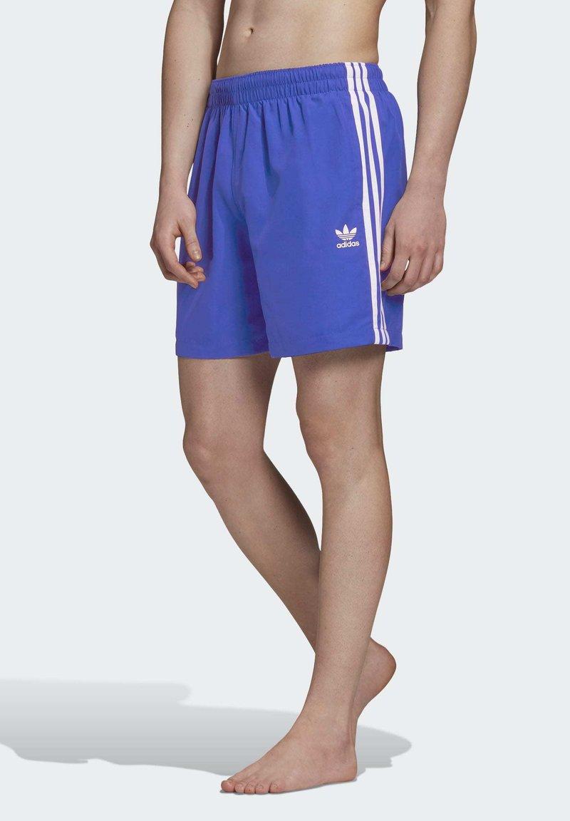 adidas Originals - 3-STRIPES SWIM SHORTS - Szorty kąpielowe - blue