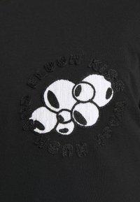 Henrik Vibskov - FLUSH KISS HUSH LONG TEE - T-shirt à manches longues - black - 6