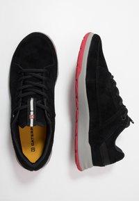 Caterpillar - QUEST - Sneakersy niskie - black - 1