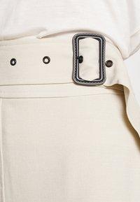 4th & Reckless - SKIRT - Pencil skirt - cream - 4