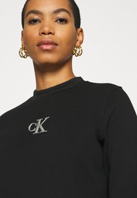 Calvin Klein Jeans - CUT OUT BACK  - Sweatshirt - black - 3