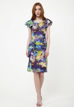 Day dress - milchig  rot