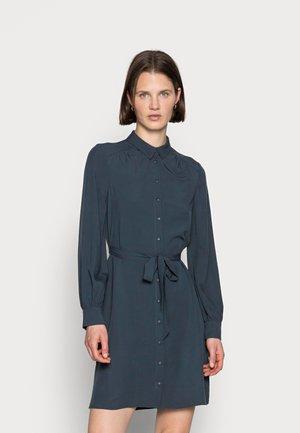 WOVEN BLOUSE DRESS PLEATS BELT - Vapaa-ajan mekko - dark blue