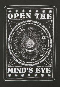 Even&Odd Curvy - Print T-shirt - dark grey - 2