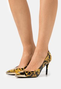 Versace Jeans Couture - Classic heels - multicolor - 0