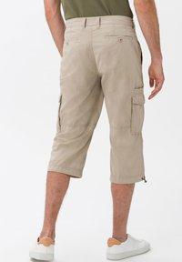 BRAX - STYLE LUCKY - Cargo trousers - beige - 2