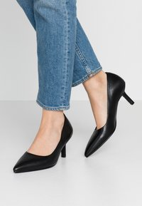 Vagabond - PAULINE - Classic heels - black - 0