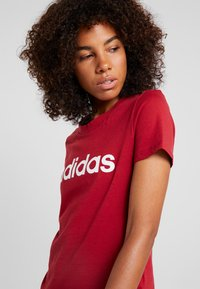 adidas Performance - ESSENTIALS SPORTS SLIM SHORT SLEEVE TEE - Printtipaita - active maroon/white - 4