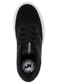 DC Shoes - KALIS VULC - Trainers - black/black/white - 1