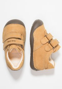 Geox - TUTIMI - Baby shoes - biscuit - 0