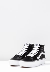 Vans - SK8 PLATFORM 2.0 - Sneakersy wysokie - black/true white - 4