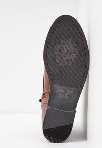 Apple of Eden - DEMI - Kotníková obuv - brown - 6