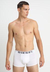 Diesel - UMBX-DAMIENTHREEPACK BOXER 3PACK - MPACK:3 - Pants - schwarz/weiss/grau - 3