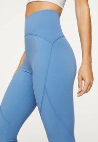 OYSHO - Leggings - blue - 4