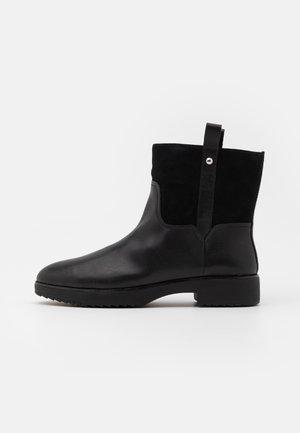 SIGNEY BOOTS - Kotníkové boty - all black