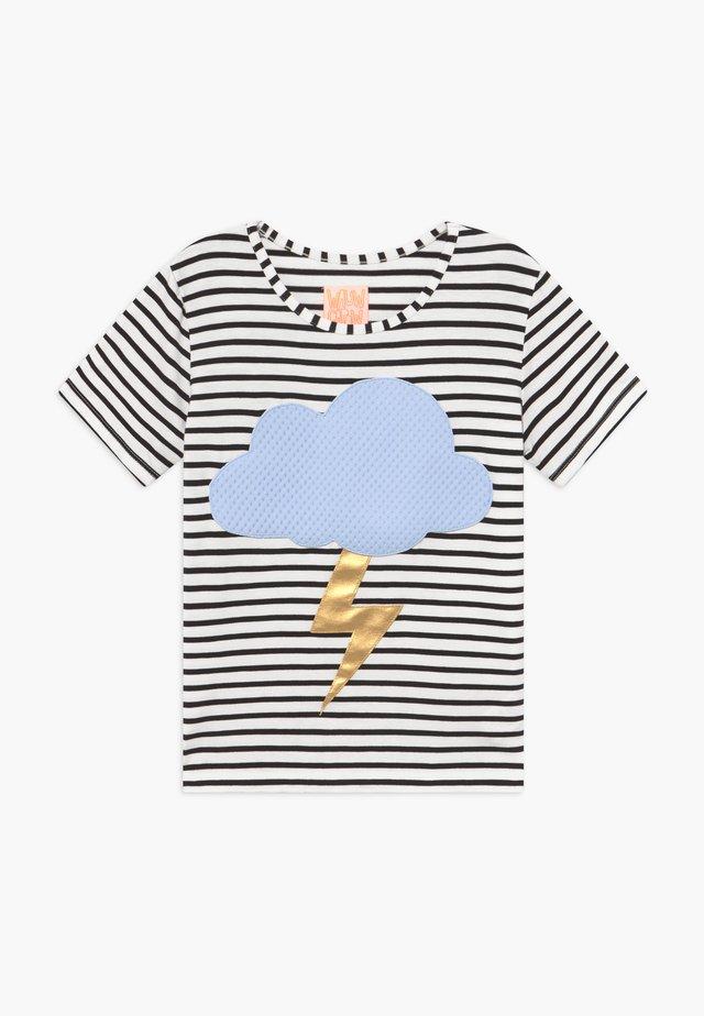 STORM - Print T-shirt - black/white