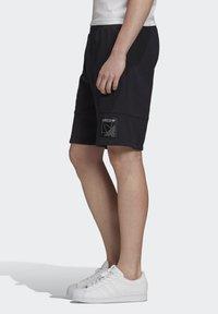 adidas Originals - Shorts - black - 2