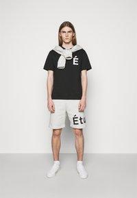 Études - PATCH UNISEX - T-shirt con stampa - black - 1