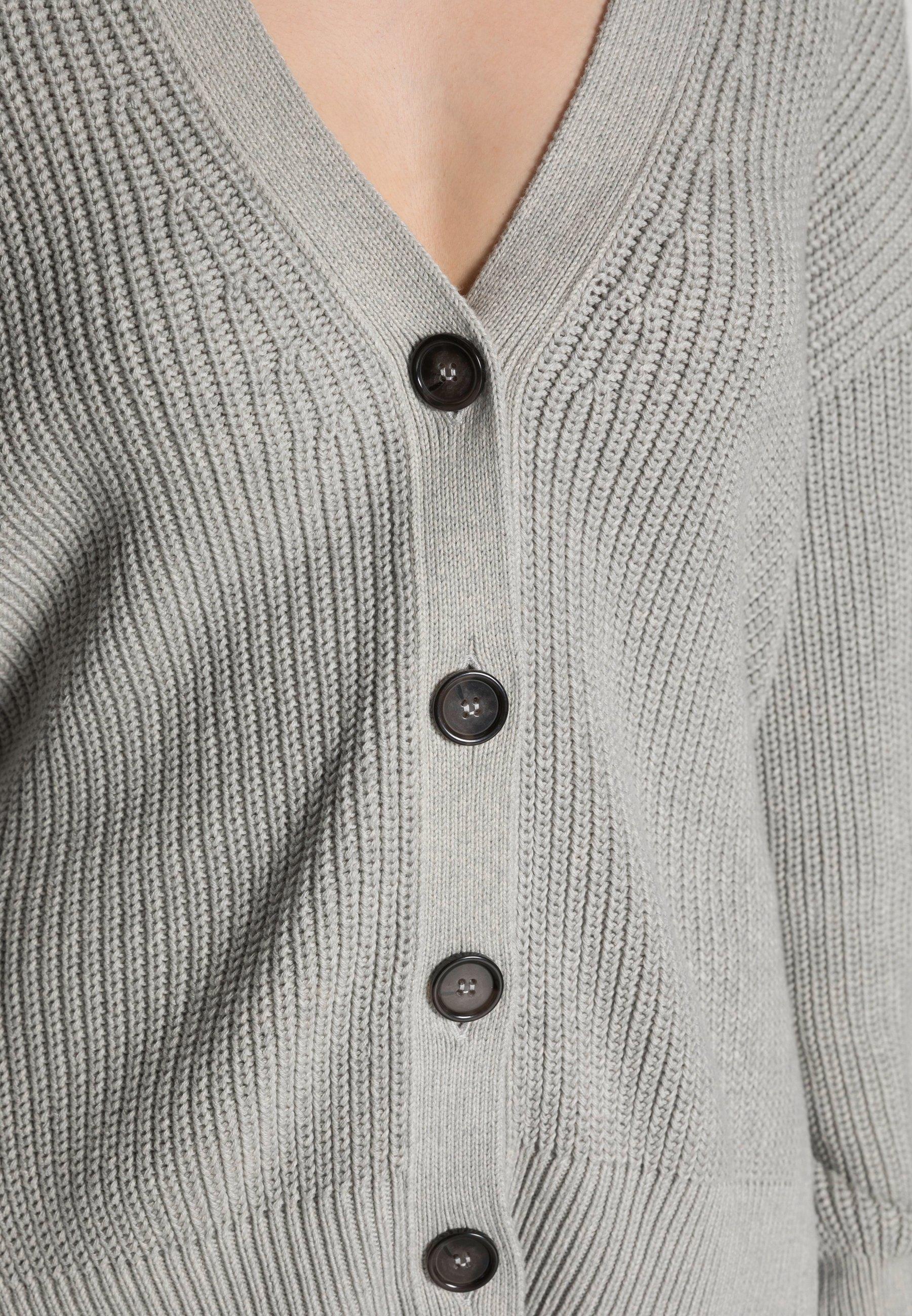 Donna CARDIGAN LONGSLEEVE V-NECK BUTTON CLOSURE - Cardigan