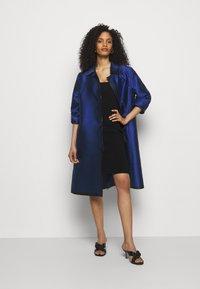 Alberta Ferretti - LONG JACKET - Klasický kabát - light blue - 1