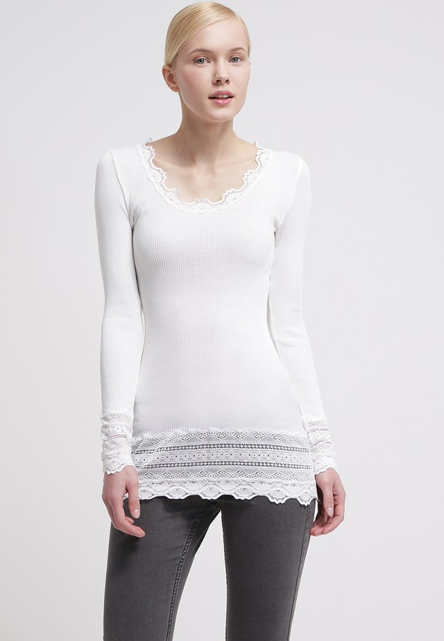SILK-MIX T-SHIRT MEDIUM LS W/WIDE LACE - Long sleeved top - new white