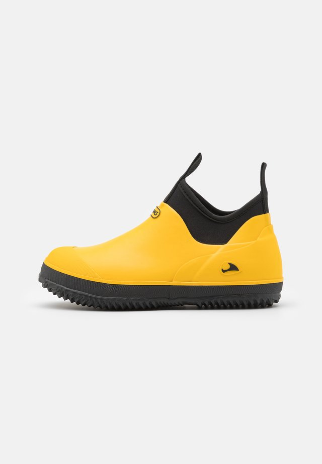 PAVEMENT UNISEX - Regenlaarzen - yellow/black