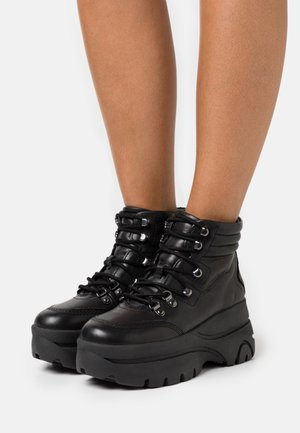 GASTON - Boots à talons - noir