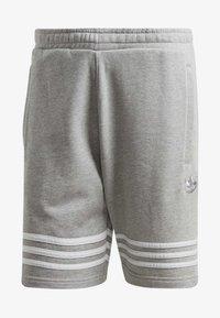 adidas Originals - OUTLINE SHORTS - Shorts - grey - 7