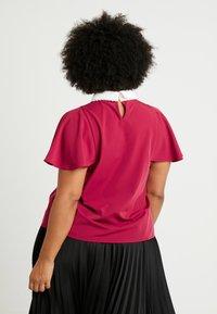 Fashion Union Plus - COLLARED BLOUSE - Bluse - solid bordeaux - 2
