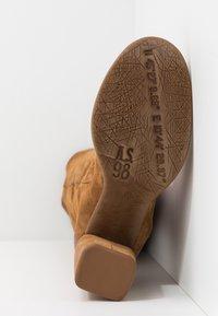 A.S.98 - Laarzen met hoge hak - cognac - 6