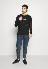 YOURTURN - Långärmad tröja - black - 1