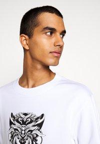 Just Cavalli - FELPA - Sweatshirt - white - 3