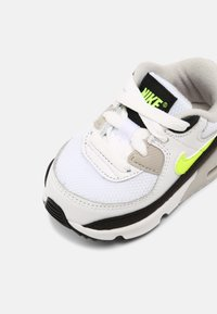 Nike Sportswear - AIR MAX 90 UNISEX - Trainers - white/hot lime/black/neutral grey - 6