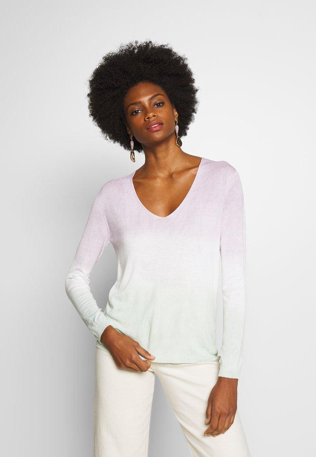 V-NECK DIP DYE - Sweter - pastel lilac